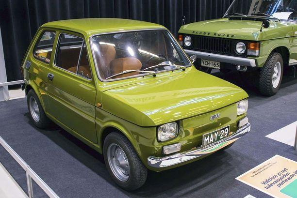 Fiat 126 valmistajalleen tyypillisessä 1970-luvun värisävyssä.