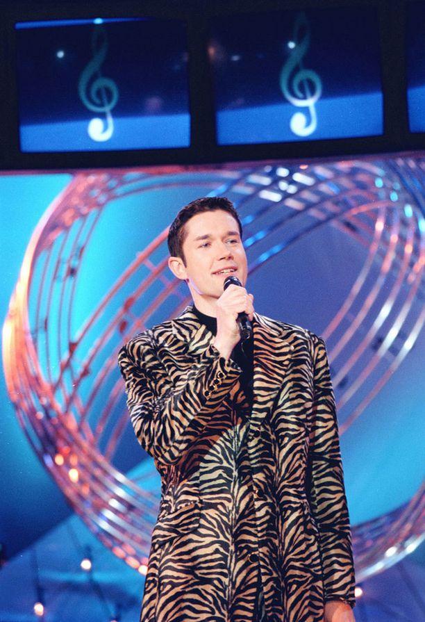 Marco Bjurström kohautti 1990-luvulla pukeutumisellaan ohjelmassa.