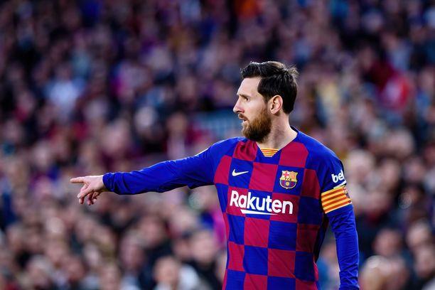 Barcelona haluaa alentaa Lionel Messin palkkaa.