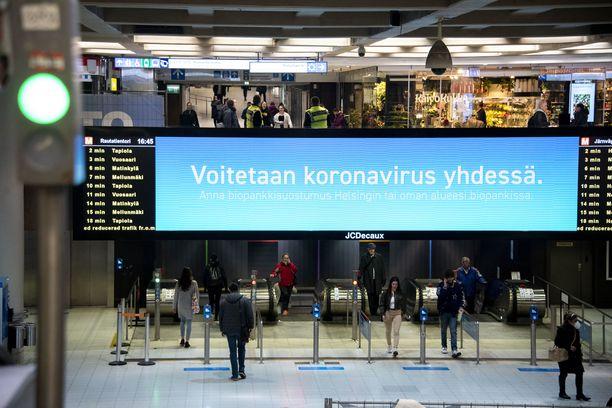 Terveyden- ja hyvinvoinnin laitoksen (THL) ylilääkäri  kertoi perjantaina, että Suomi ylitti koronavirusepidemian huipun huhtikuun puolella.