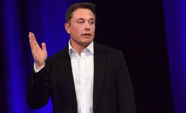 Miljärdööri Elon Musk tunnetaan muun muassa Tesla ja Space X -yritysten toimitusjohtajana.