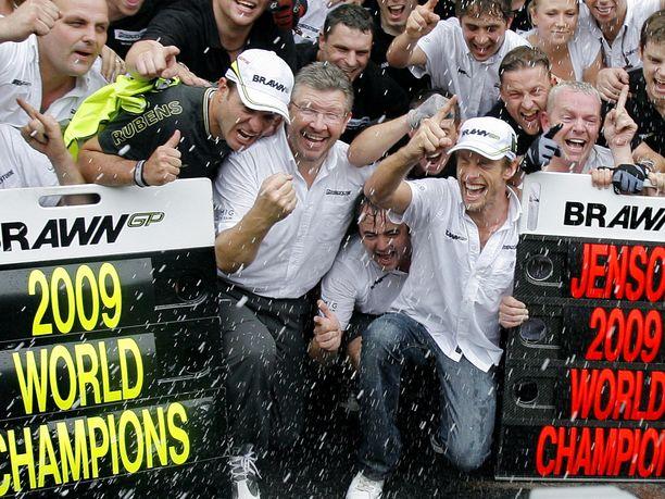 Jenson Buttonin ja Brawn GP:n mestaruudet varmistuivat Brasiliassa kauden toiseksi viimeisessä osakilpailussa.