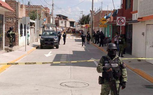 Ainakin 24 ihmistä on kuollut hyökkäyksessä Meksikossa