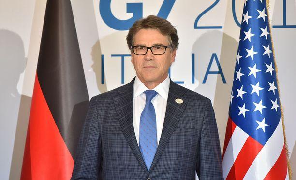 Yhdysvaltain energiaministeri Rick Perry ei aio suositella Donald Trumpille Pariisin ilmastosopimuksesta vetäytymistä.