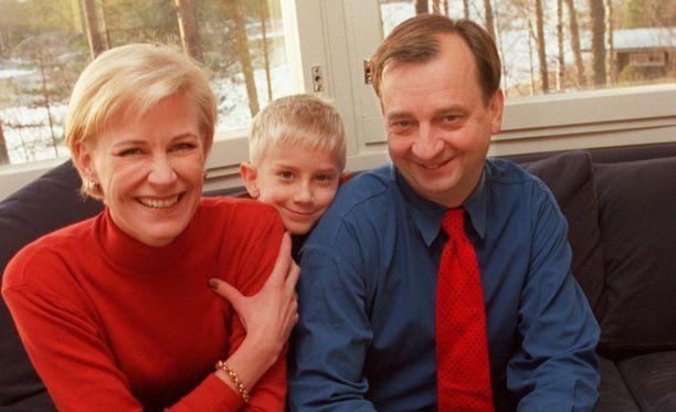 Leena ja Hjallis Harkimo olivat naimisissa 13 vuotta. Heillä on kaksi yhteistä lasta, Joel (kuvassa) ja Leo. Liitto päättyi vuonna 2003.