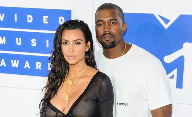 Kim Kardashian on vahvistanut saavansa perheenlisäystä aviomiehensä Kanye Westin kanssa.