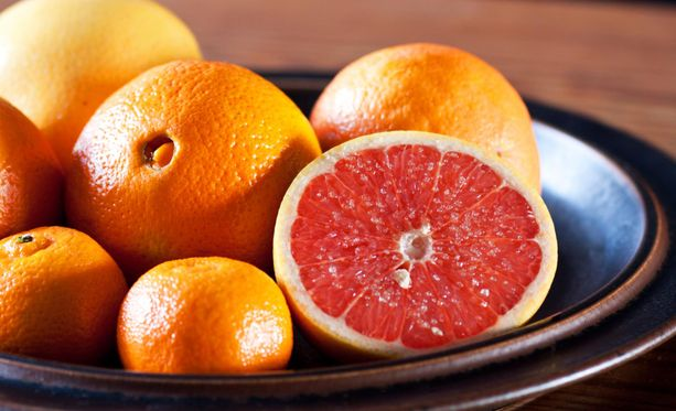 Syö sitrushedelmiä. Saatat välttyä monilta ikäviltä taudeilta ja parantaa vastustuskykyäsi.