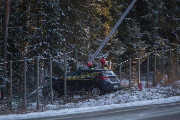 Onnettomuus tapahtui valtatieltä 15 Kotkassa.