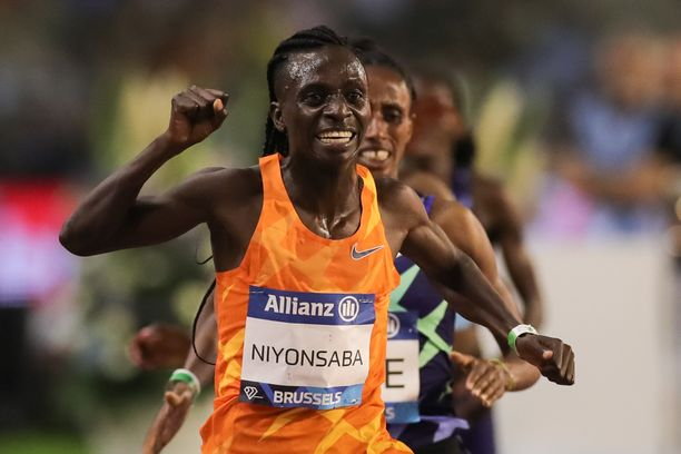 Francine Niyonsaba luo nykyisin uraa 5 000 metrin juoksijana.