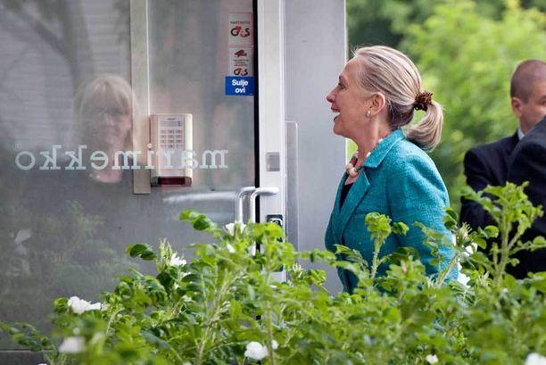 Clintonin vierailu Marimekolla kesti noin tunnin.