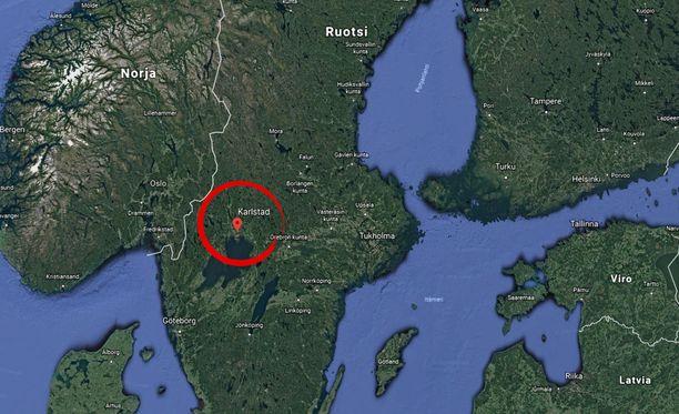 Karlstad on suurin piirtein Tukholman ja Oslon välissä.