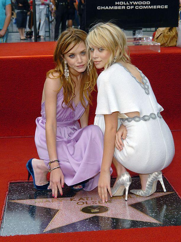 Mary-Kate ja Ashley Olsen vuonna 2004.