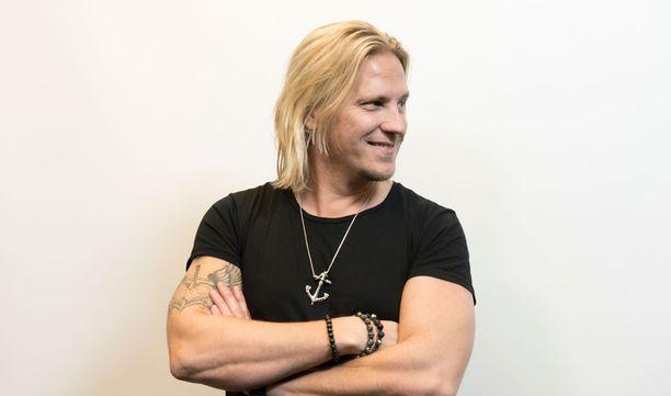 Sami Kuronen erosi viime vuonna puolisostaan Mirkka Torikasta.