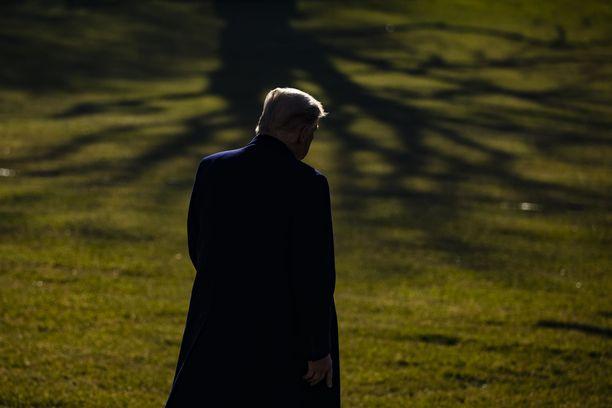 Donald Trumpin saavutukset presidenttinä jäävät skandaalien varjoon.