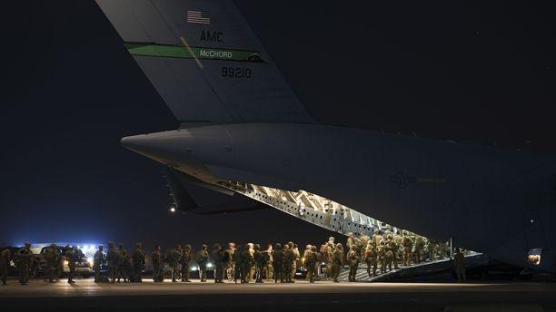 USA:n sotilaita lähdössä Afganistaniin 18. elokuuta.