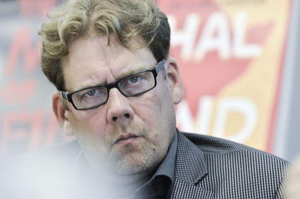 Ylen vastaavien sisältöjen toimittaja Ville Vilén ei pidä Ylen henkilöstölle lähetettyä sähköpostikyselyä eettisesti hyväksyttävänä tiedonhankintakeinona Ylen sisäisissä asioissa.