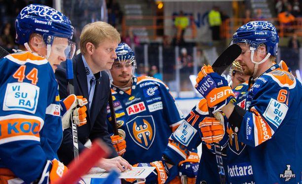 Tappara pelaa valmenta Jukka Rautakorven pirtaan istuvaa riskitöntä jääkiekkoilua.