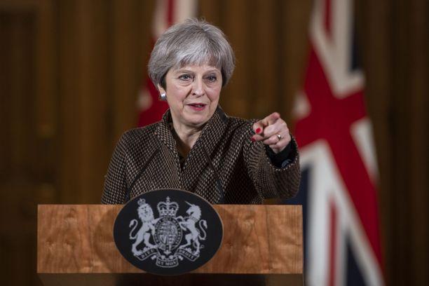 Theresa May piti Salzburgin kokouksen jälkeen kiukkuisen puheen.
