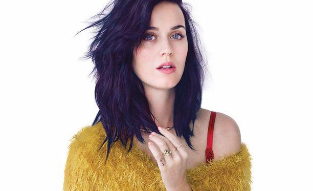 Katy ja luonnollisempi tyyli.