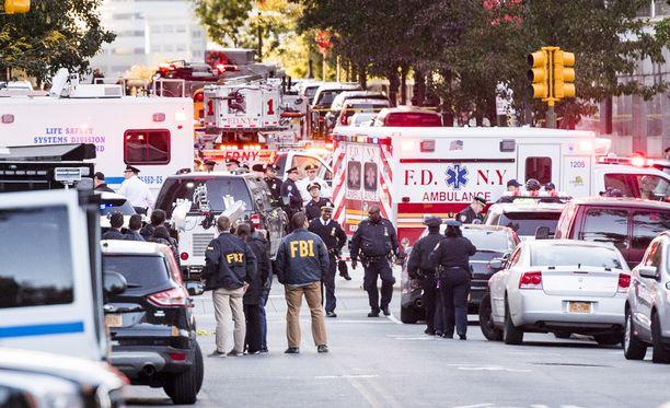 Poliisi pysäytti hyökkääjän ampumalla. Hyökkääjä on tällä hetkellä sairaalassa, tilan ei kerrota olevan hengenvaarallinen.