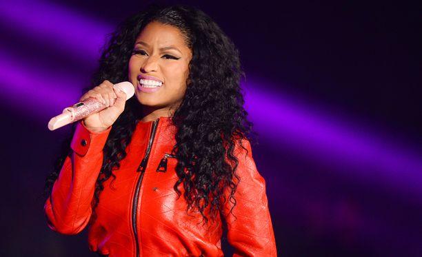 Nicki Minaj on tuohtunut siitä, ettei saanut ehdokkuuksia niin kuin Taylor Swift.