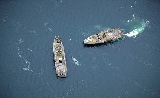 Svenska Dagbladet kertoi lauantai-iltana, että Ruotsin puolustusvoimat etsivät Tukholman saaristossa vaurioitunutta venäläistä sukellusvenettä.
