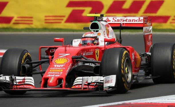 Kimi Räikkönen lähtee Brasilian GP:hen