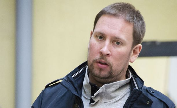 Paavo Arhinmäki kritisoi hallituksen kärkihankkeita.