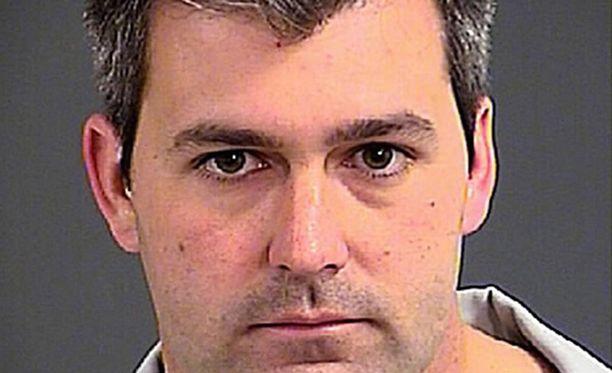 Michael Slager ampui aseettoman mustan miehen kuoliaaksi Charlestonissa.