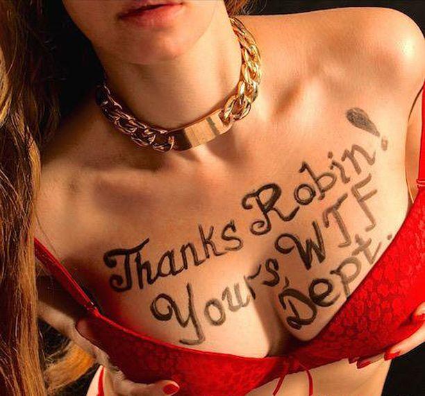 Naispuoliset mallit ovat huomattavasti miehiä suositumpia.