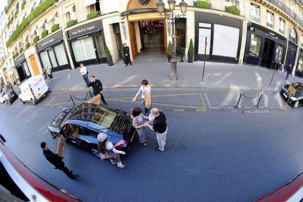 Tapaus sattui viiden tähden Park Hyatt Paris Vendome -hotellissa Pariisissa.