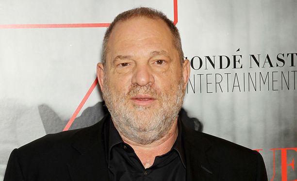Maailman vaikutusvaltaisimpiin elokuvatuottajiin kuuluvaa Harvey Weinsteinia epäillään muun muassa raiskauksista.