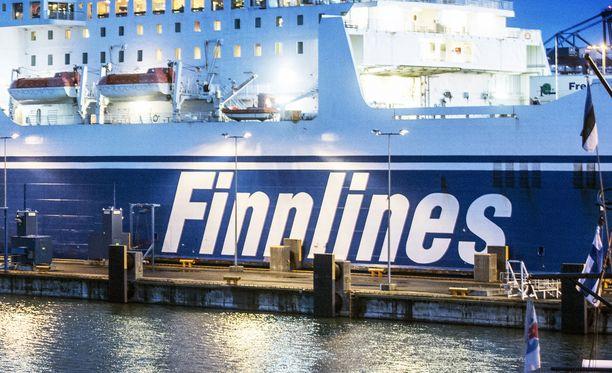 Kuvituskuva: Finnlinesin alus satamassa. Kuvan alus ei liity tapaukseen.