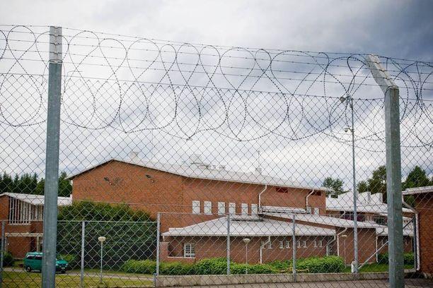 Pyhäselän vankila on pieni suljettu vankila Joensuun eteläpuolella. Useimmat Pyhäselän asukkaat tekevät töitä tai opiskelevat.