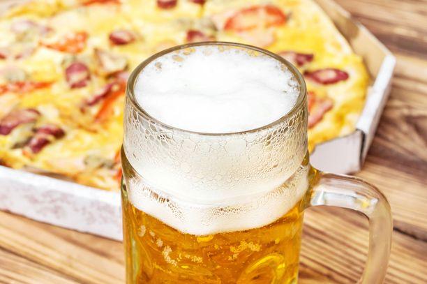 Vyötärölihavuus ja runsas alkoholinkäyttö altistavat rasvamaksalle.