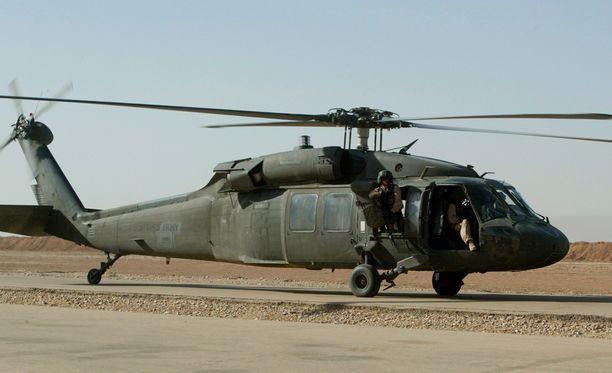 Onnettomuuteen joutunut sotilashelikopteri oli mallia UH-60.
