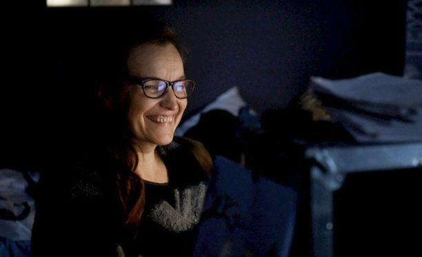 Johanna Vuoksenmaa on ohjannut myös mm. Klikkaa mua -sarjan ja 21 tapaa pilata avioliitto -elokuvan.