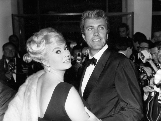 Näyttelijä Rik Van Nutterin kanssa Ekberg oli naimisissa 1963-1975.