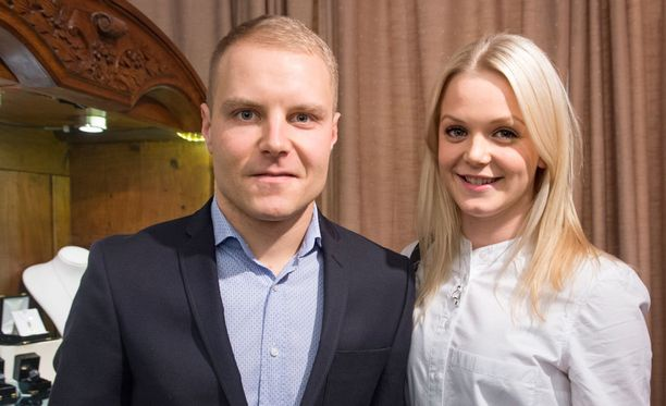 Valtteri Bottas ja Emilia Pikkarainen viettävät ensimmäistä kihlapäiväänsä ystävänpäivänä. -Hyvät muistot vuoden takaisista tunnelmista, molemmat totesivat.