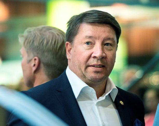 Jari Kurrin ja kumppaneiden yhtiöt ostivat Venäjän federaation arvokiinteistöt pilkkahintaan.