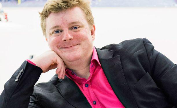 Tuomas Lukka hyppäsi lukion toisen luokan yli ja pääsi aloittamaan Helsingin yliopistossa kemian opinnot jo 17-vuotiaana.