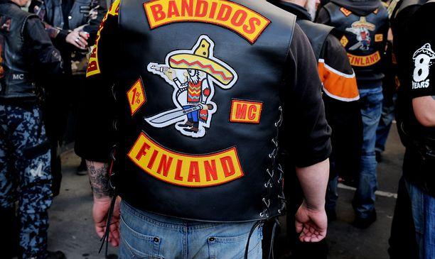 Keskusrikospoliisi luovutti Helsingin kaupungille Bandidos-jengiin kuuluneiden henkilöiden tietoja.