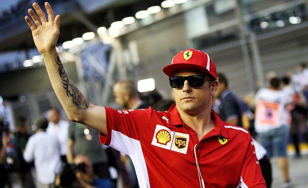 Kimi Räikkönen myönsi, ettei Ferrarilla ollut eväitä ohittaa Valtteri Bottaksen Mersua.