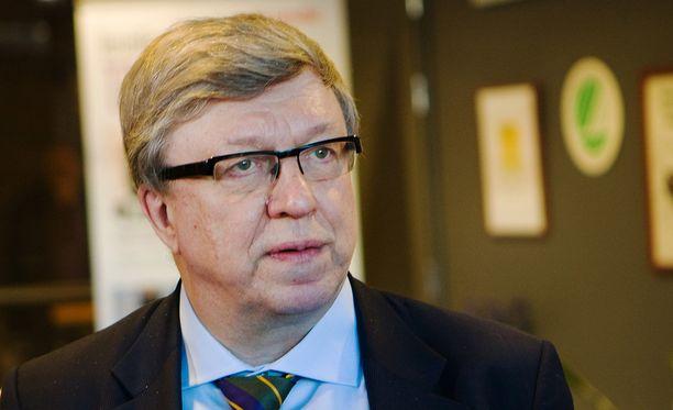 Keskustan puoluesihteeri Timo Laaninen vuonna 2012. Tänään Laaninen on viittä vaille valmis teologian maisteri.