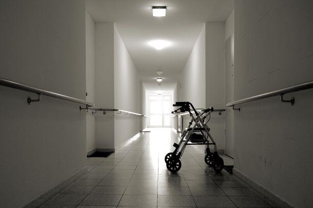 Valvira selvittää tällä hetkellä useiden vanhustenhoidon yksiköiden toimintaa.