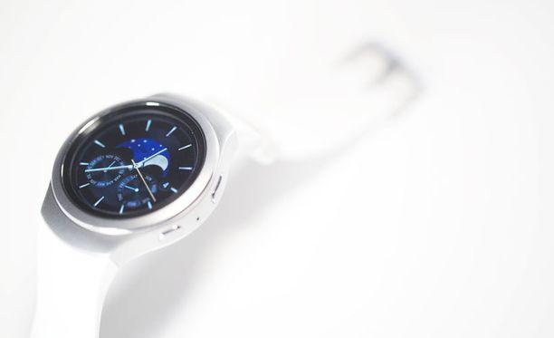 Yksi joulumarkkinoiden uusista digituotteista on Samsungin Gear S2 -älykello.