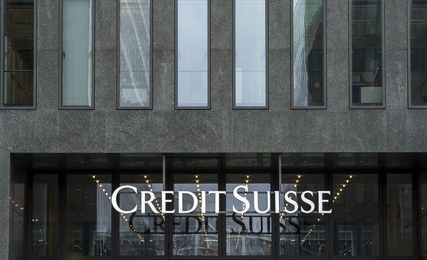 Valtionsyyttäjä ja apulaisvaltakunnansyyttäjä ottavat teoriassa kantaa yhteen yksittäiseen teollisuusneuvoksen tapaukseen. HS:n mukaan teollisuusneuvoksella oli verottajalta salattuja talletuksia mm. Credit Suisse -pankissa Sveitsissä.