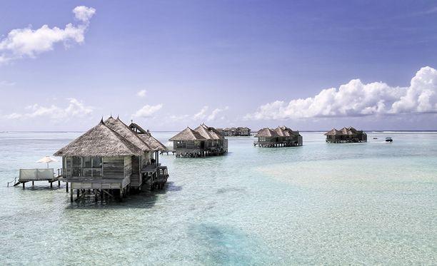 Yö maailman parhaimpien hotellien listalla olevan Gili Lankanfushin huviloissa ei ole aivan halpaa hupia.