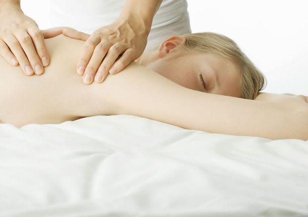Rentouttava hieronta hillitsee stressiä ja parantaa vastustuskykyä.