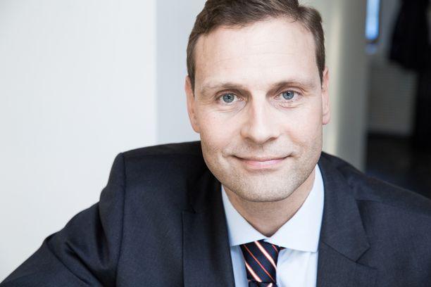 Veroasiantuntija Janne Juusela arvostelee kovin sanoin Sdp:n verolinjauksia.